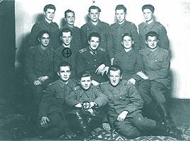 1949: elev aviator la Focsani; randul de sus, al treilea din stanga